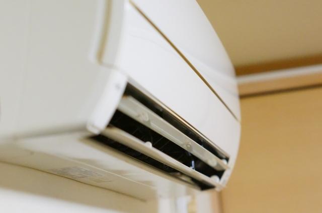 キャンピングカーのエアコン問題!発電機は装備できる?