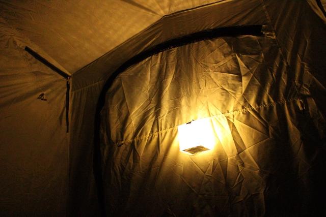 今年のキャンプは電源サイトでオシャレな照明を楽しもう