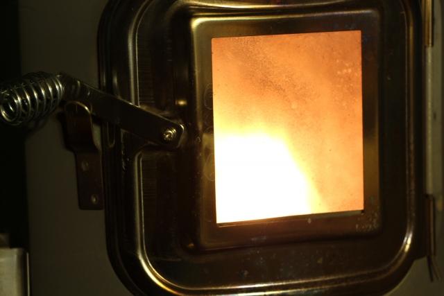 ストーブの不完全燃焼はどう防ぐ?原因や直し方をご紹介!