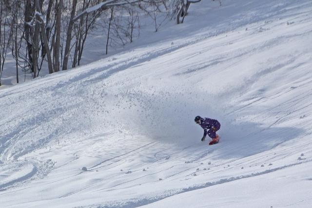 バックカントリー用スノーボードとビンディングの選び方