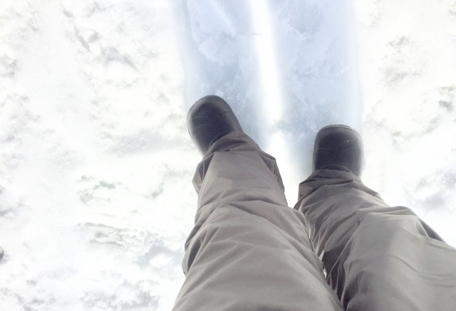 バックカントリーをスノーボードで楽しむ際の靴問題について