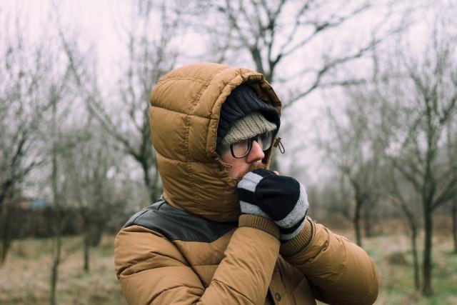 プリマロフトのジャケットはなぜ暖かい?米軍との関係性は?