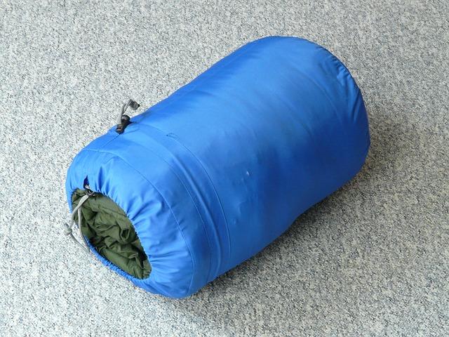 モンベルの寝袋を購入!使い方・たたみ方・ケアの方法は?