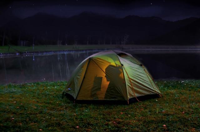 ケシュアのテントが人気!?ポイントは設置方法やたたみ方?