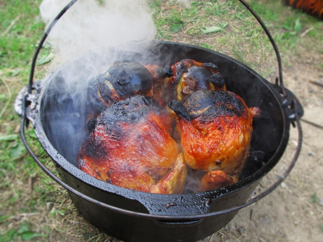 ダッチオーブンをコンロで使ってキャンプを一層楽もう!