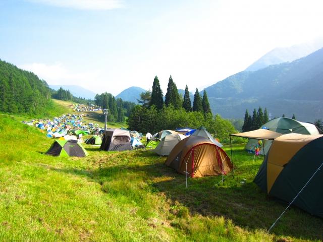 キャンプで快適に眠るためのテントマット!そのおすすめは?