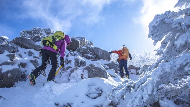 アイゼンの付け方と6本爪の特徴や種類を知り冬山を楽しもう