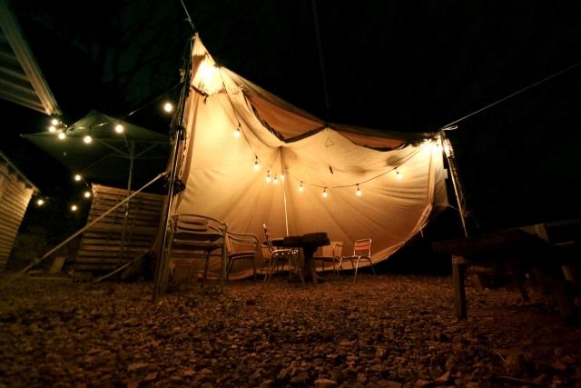 キャンプでおしゃれに差がつく小物アイデアをご紹介!