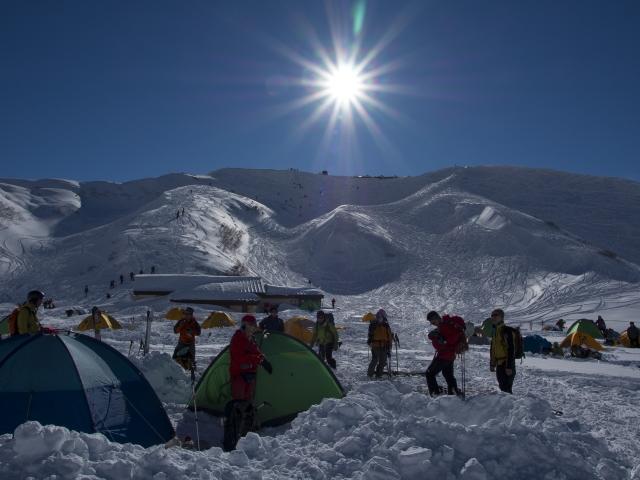 モンベルのシュラフはどう選ぶ?凍結する厳寒時の対策とは!