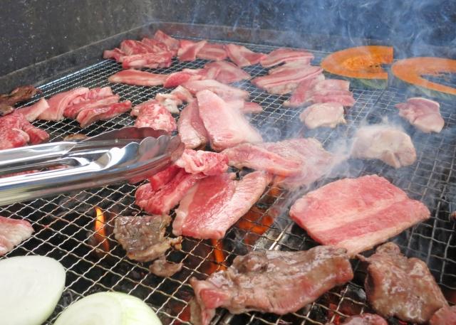 ロゴスの人気のカマドと焼き網を使って料理をしてみよう!