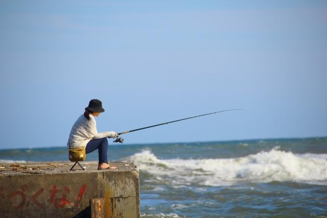 釣り初心者も楽しめる!海で釣りをする場所や仕掛けの選び方