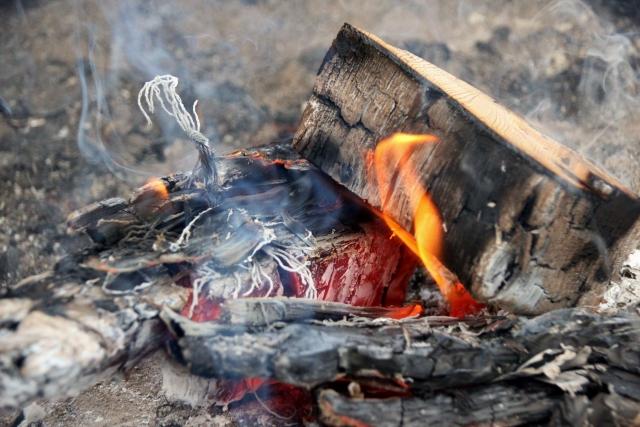 解決!バーベキュー後の炭の正しい処分方法と再利用法を伝授