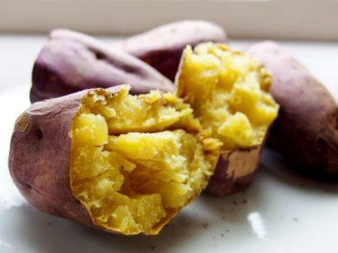 バーベキューで焼き芋を作る際の下ごしらえやコツを学ぼう!