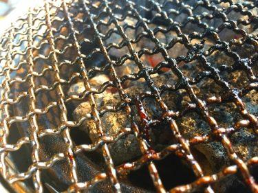 バーベキュー後の難関!焦げついた網をきれいに洗う方法は?